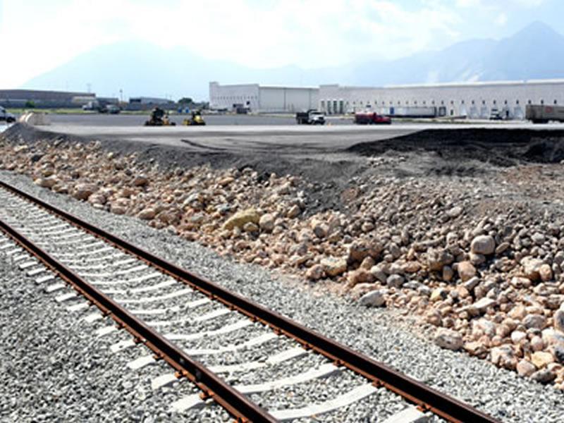 Puerta del Norte - Railway service